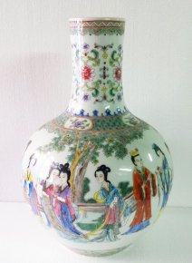 Rare Fine Famille Rose Wucai Vase Porcelain Decorated Painting Figures